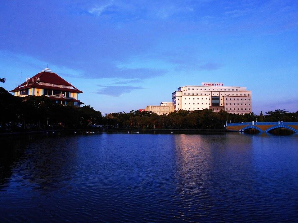 Daftar Universitas Negeri yang Terdapat di Kota Surabaya
